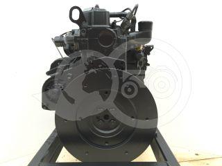 Dízelmotor Iseki E383 (1)